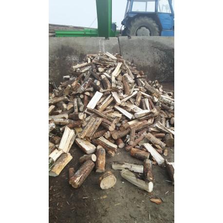 Štípané palivové dřevo měkké